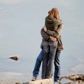 omarming-liefdesgedicht_article